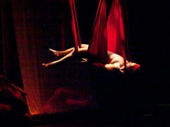 - tissu aérien, danse, spectacle